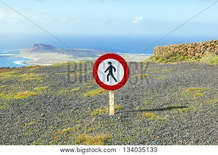 tresspassing forbidden for people because of dangerous cliffs