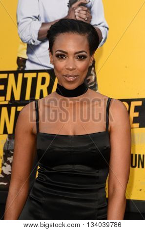 LOS ANGELES - JUN 10:  Jazmyn Simon at the Central Intelligence Los Angeles Premiere at the Village Theater on June 10, 2016 in Westwood, CA