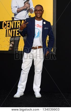 LOS ANGELES - JUN 10:  Tommy Davidson at the Central Intelligence Los Angeles Premiere at the Village Theater on June 10, 2016 in Westwood, CA