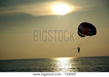 Parachutting Water Sports 3