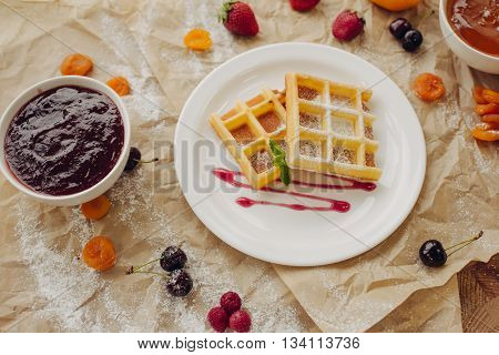 Viennese wafers with jam. Composition of berries