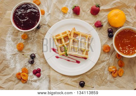 Viennese wafers with jam. Composition of berries.