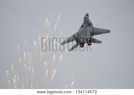 Mig-29 Fighter Jet Flares