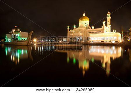 Long exposure at the night of the Sultan Omar Ali Saifuddin Mosque in Bandar Seri Begawan, Brunei.
