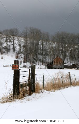 Old Barn With No Tresspassing