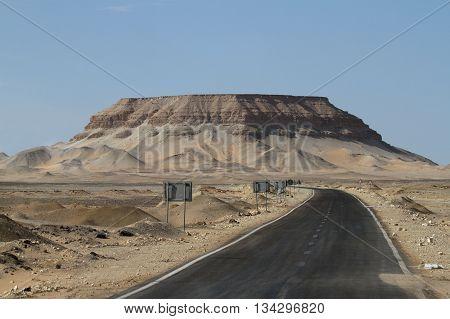 The Roads through the Sahara in Egypt