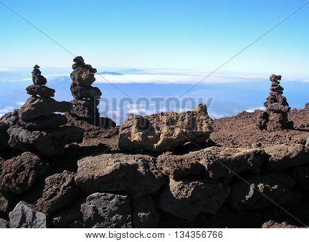zen rock art, stacking lava rocks, balancing rocks
