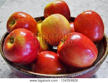 bowl of apples, shiny red apples, Apples isolated