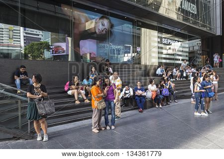 BANGKOK THAILAND - MAY 29 : crowd waiting for omibus at Siam center in siam square on may 29 2016 thailand. siam square is famous shopping place of Bangkok