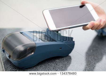 Customer pay with mobile phone on pos terminal