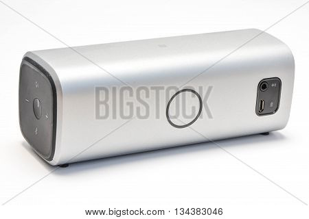 Wireless speaker on white background - The speaker technology