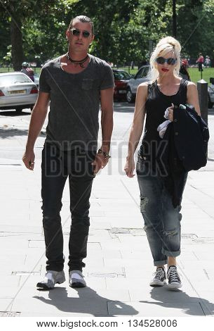 LONDON, UK - AUGUST 20, 2013: Gwen Stefani and Gavin Rosedale seen out for a walk in Primrose hill in London