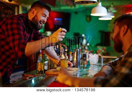 Making hot cocktail