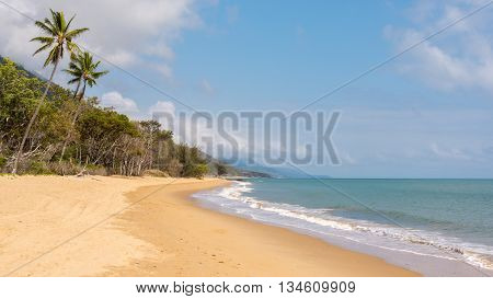 View from Buchans Point Beach to the Coral Sea, on the Captain Cook Highway between Cairns and Port Douglas, Queensland, Australia.