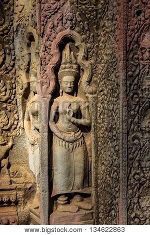 Seamreap, Cambodia-Dec 06 : Apsaras an old Khmer art carvings on the wall in Angor Temple on December 06, 2015 in Angor Temple, Semreap, Cambodia. The Angor wat is one of the world Heritage.