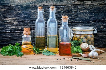 Different Sorts Of Cooking Oil,olive Oil Flavored And Sesame Oil With Spices Herb Rosemary ,thyme,di