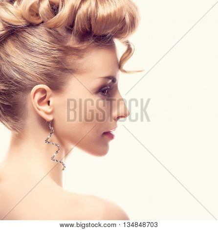Fashion mohawk hairstyle, natural makeup. Fashion beauty woman, mohawk. Blonde nude sexy model girl, fashion makeup, eyelashes. Creative unusual fashion. Skincare fashion concept, creative hairstyle