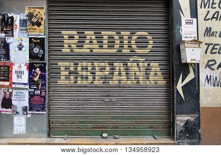 Radio Espana Door