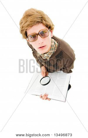 nerd guy trying to read