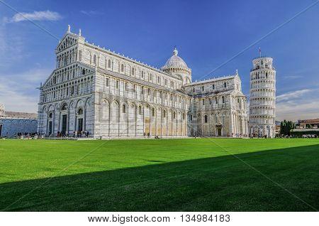 Italy, Pisa, Piazza del Duomo - Piazza dei Miracoli, duomo di Santa Maria Assunta and Pisa Tower