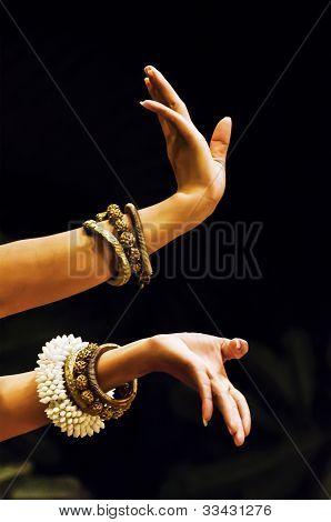 Aspara dancing hands
