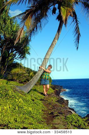 Adores Palm Trees