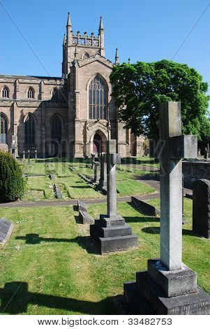 Dunfermline Abbey Church and Graveyard
