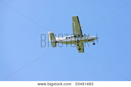 Small turboprop airplane