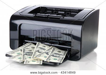 Impresora impresión de billetes de un dólar falso aislados en blanco