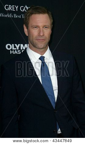 LOS ANGELES - MARCH 18: Aaron Eckhart arrives at the premiere of