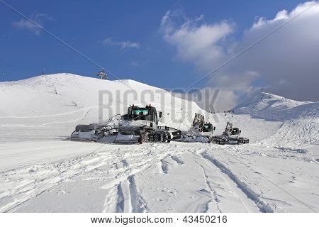 Snow Groomers