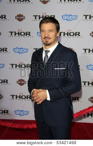 LOS ANGELES - NOV 4:  Jeremy Renner at the Thor: The Dark World' Premiere at El Capitan Theater on November 4, 2013 in Los Angeles, CA
