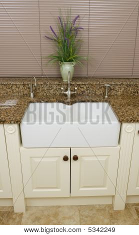 Modern Kitchen Sink Area