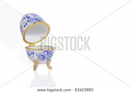 Stylish Casket In The Shape Of An Egg