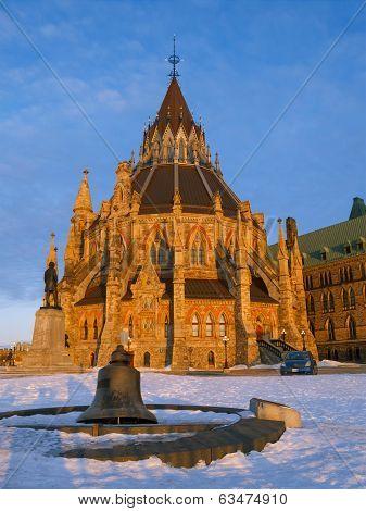 Perliament Library In Ottawa