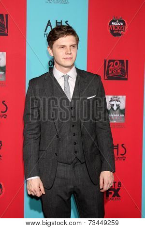 LOS ANGELES - OCT 5:  Evan Peters at the