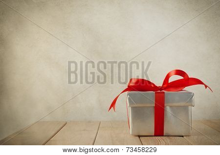 Single Silver Gift Box With Red Bow