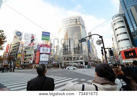 Tokyo, Japan - November 28, 2013: Crowds Of People Crossing The Center Of Shibuya