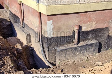 Repair Old Urban House Foundation