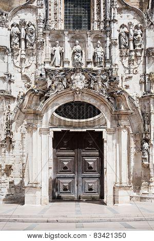 Santa Cruz Monastery