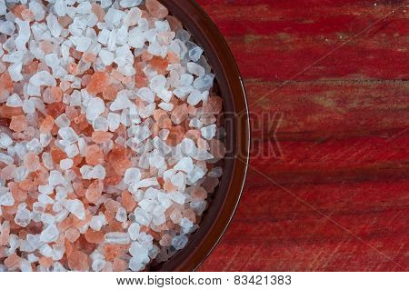 bowl of himalayan rock salt