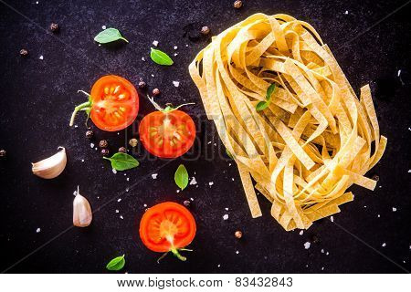 Fresh Organic Cherry Tomatoes And Fettuccini With Basil And Garlic