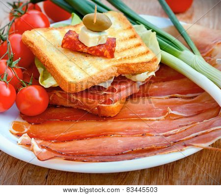 Sandwich with prosciutto