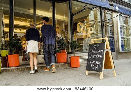 Couple shopping at trendy shop, Hoxton