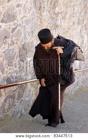 The monk returning to the monastery