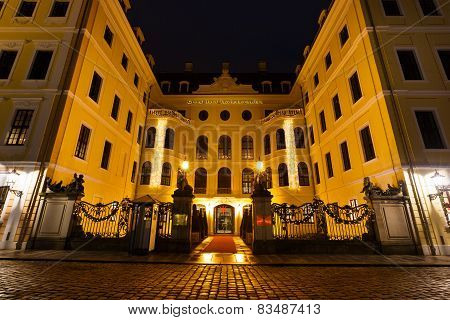 Grand Hotel Taschenbergpalais At Night Time