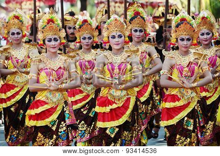 Balinese Girls In Traditional Balinese Costumes