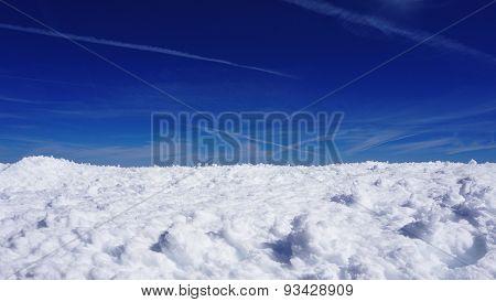 Snow Mountains Field Titlis