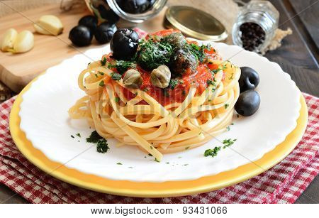 Linguine Pasta Olive And Capers