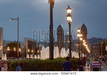 Avenue Reina Maria Cristina In Barcelona In The Evening